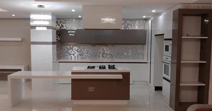 آشپزخانه با دکوراسیون مدرن کناف